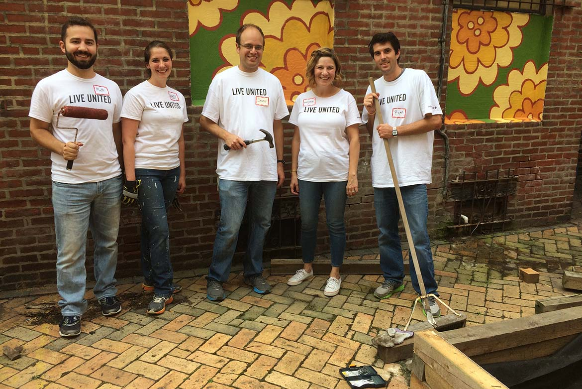 IBX associates volunteering at Turning Points for Children.