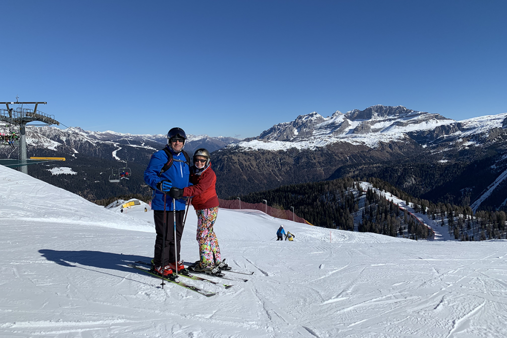 Dale and Bianca Mandel, skiiing